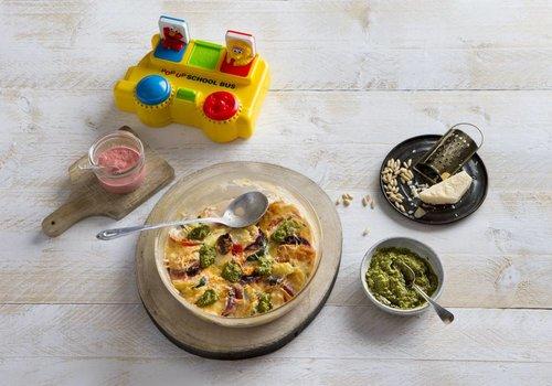 Groentegratin met mozzarella en pesto