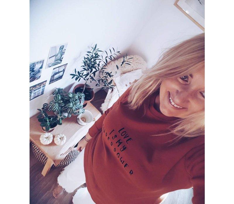 Rust sweatshirt Love