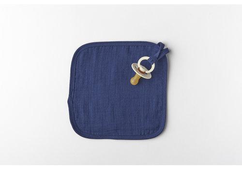 mundo melocotón Binky cloth organic  muslin indigo