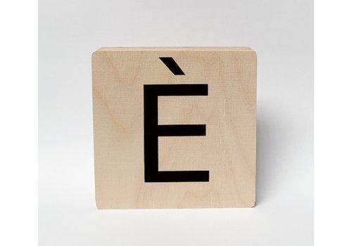 Minimou Houten letter È