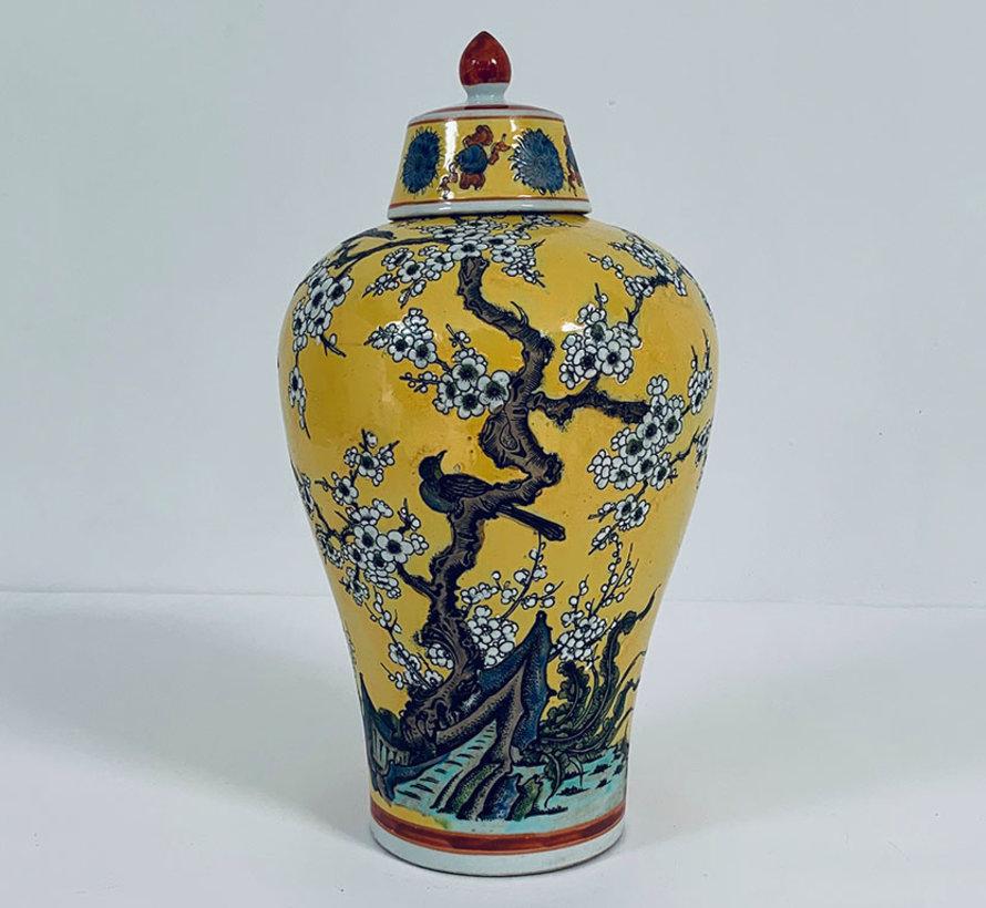 Chinese porcelain lidded vase 40 cm high Ø 22cm yellow