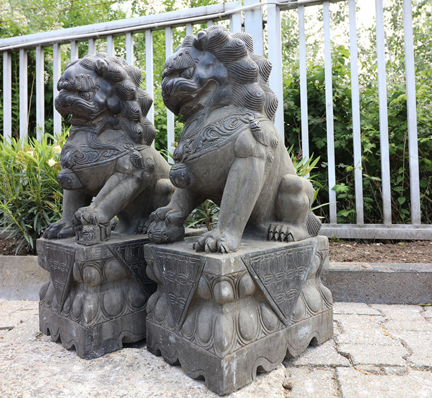 Pair of Fu dogs Guardian lions Temple lion stone figure  85cm H