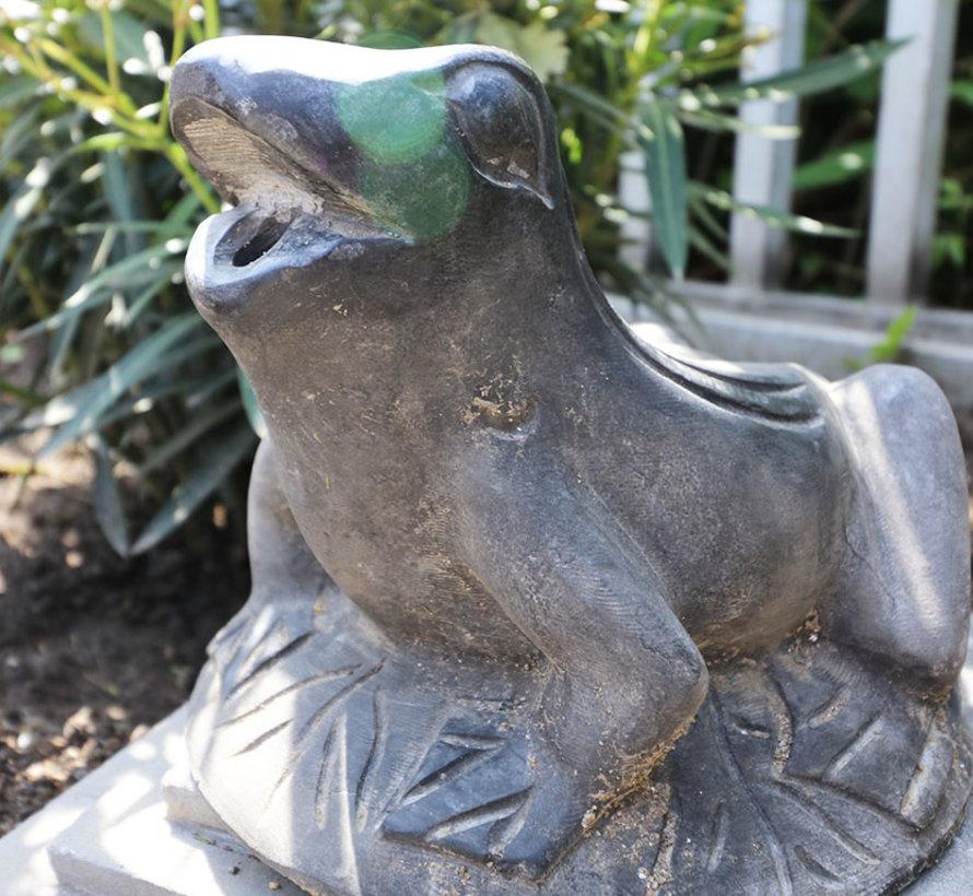 Frog natural stone fountain figurine for garden
