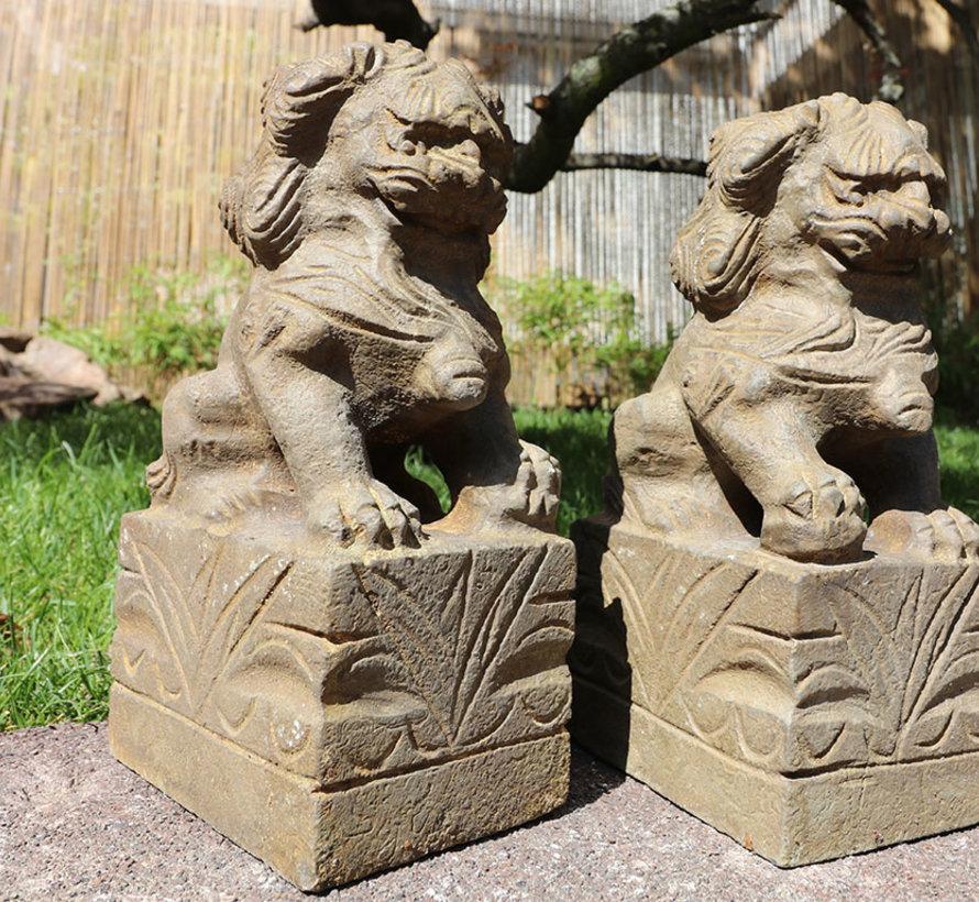 Paar Fu Hunde Wächterlöwen Tempellöwen Steinfigur