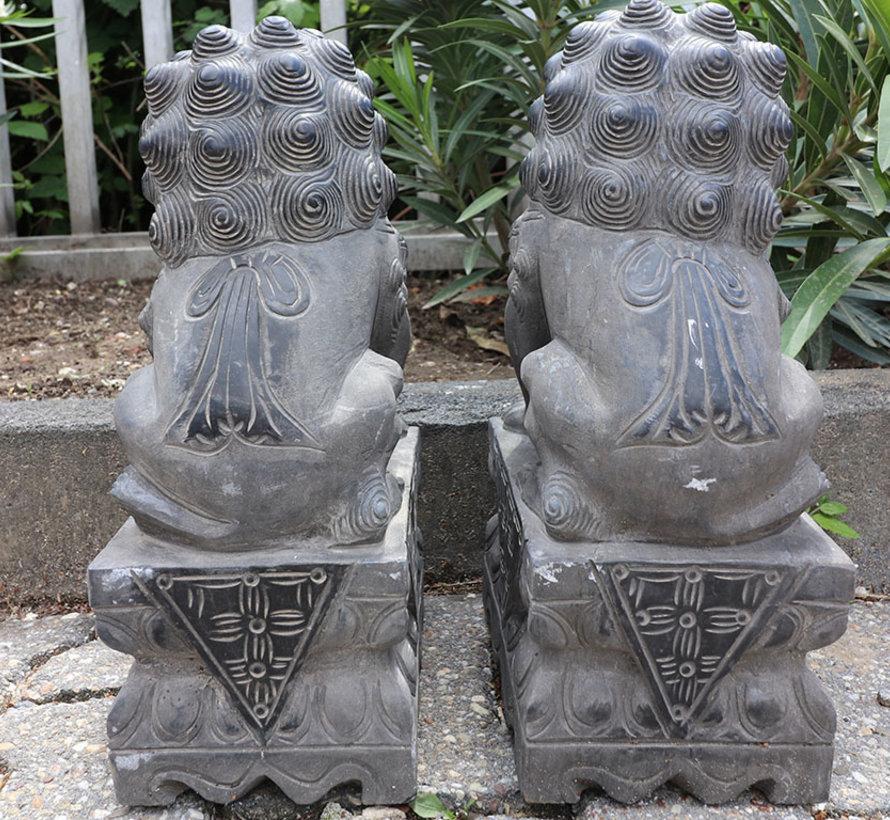 Pair of Fu dogs Guardian lions Temple lion stone figure 40cm H