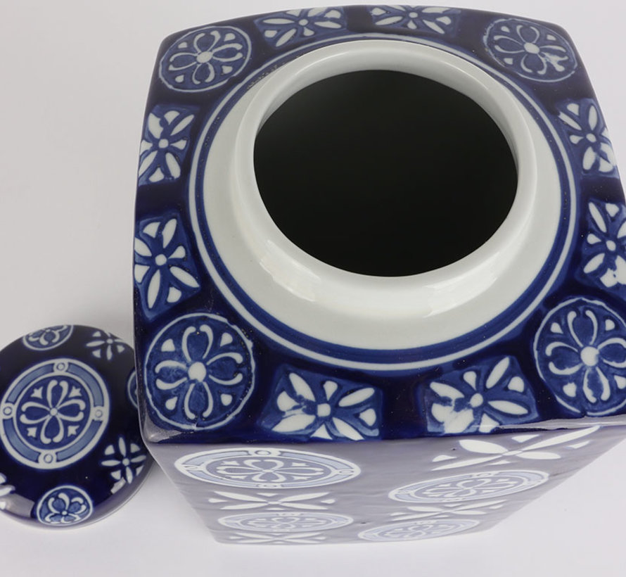 Chinese Porcelain Square Lid Vase