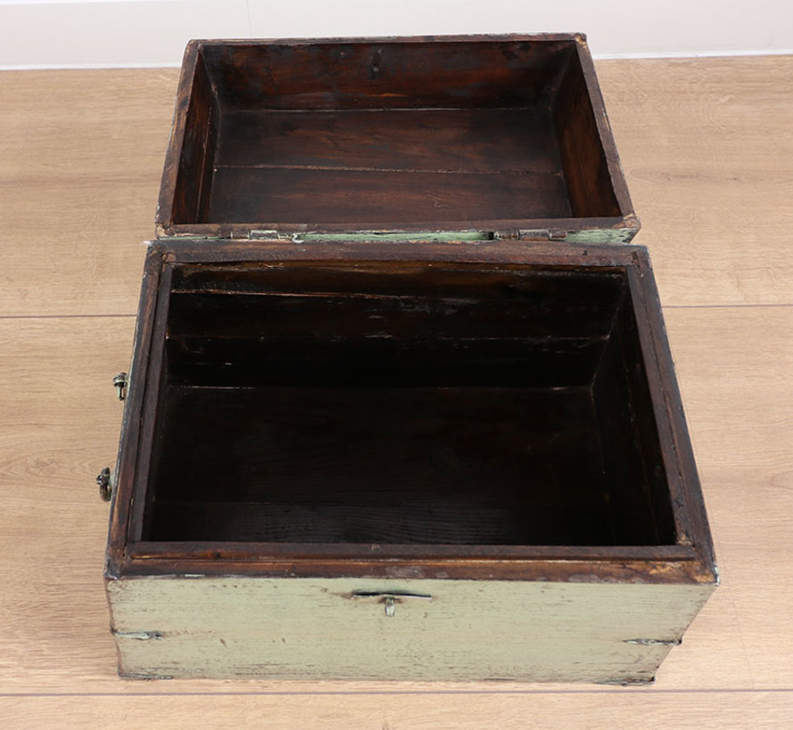 Antique Chinese chest mint