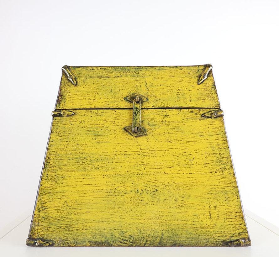 Antike Chinesische Truhe gelb