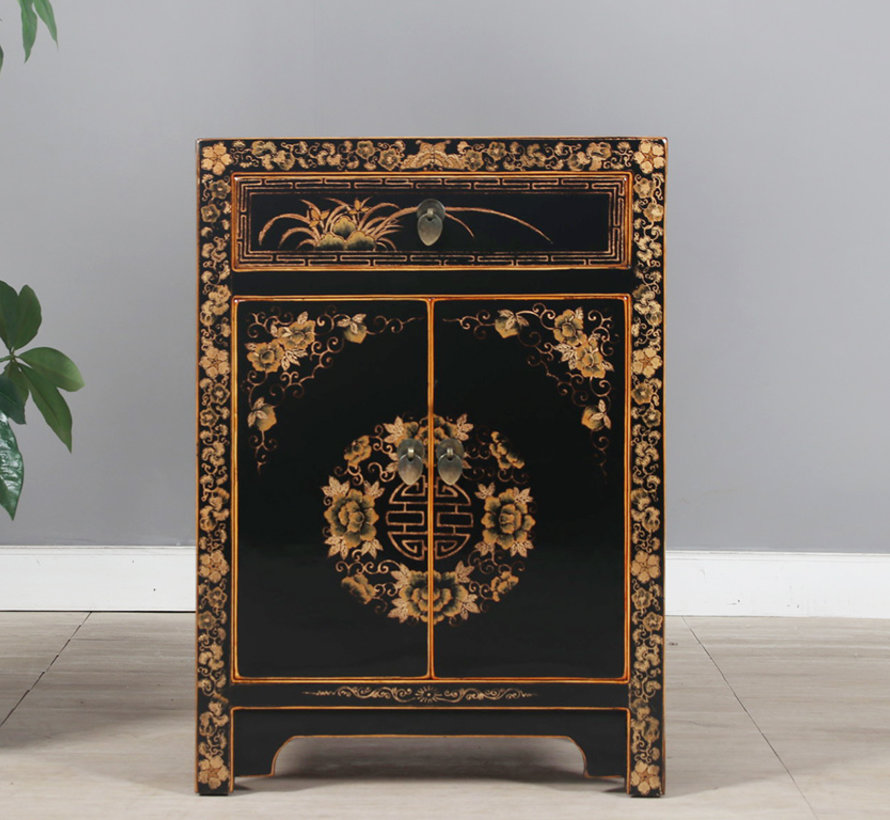 Chinese chest of drawers with hand-painted