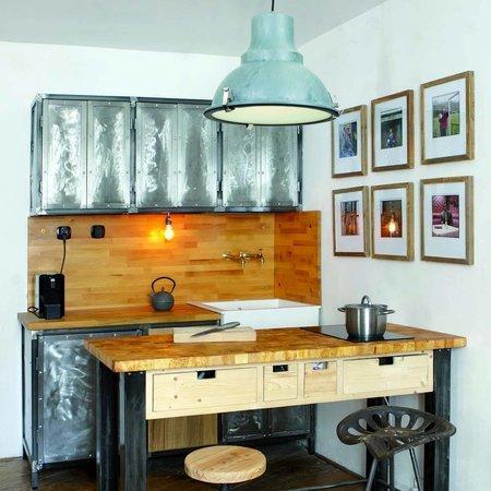 Vind hier de perfecte blauwe hanglamp voor je interieur.