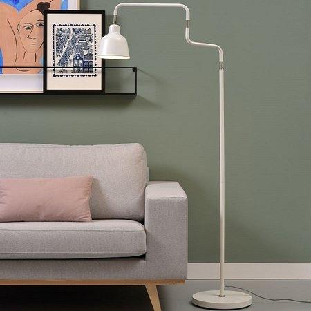 Vind hier de perfecte witte vloerlamp voor je interieur.