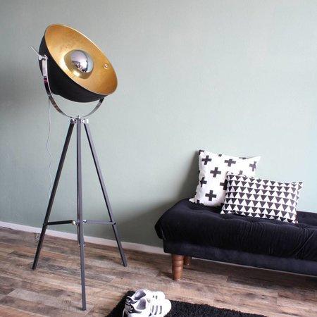 Vind hier de perfecte gouden vloerlamp voor je interieur.