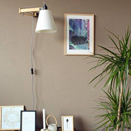 Vind hier de houten wandlamp die het best in het interieur past