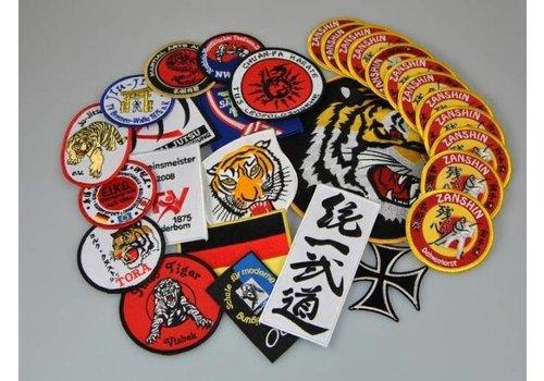 Eigen ontwerp geborduurde badge tot 100 mm