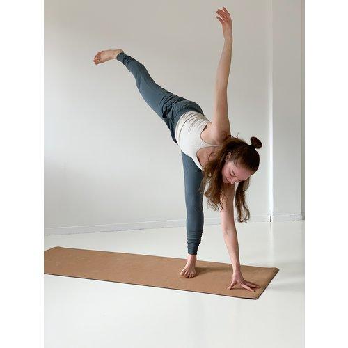 Yogamii Strap Top Off-white