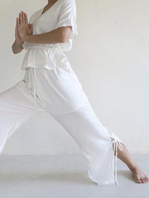 Inti Yoga Studio - Yoga en Lounge Kleding Selena Trousers Off-White