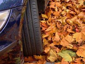 Hoe bereid je je auto voor op de herfst? Maak je klaar voor de donkerste periode van het jaar