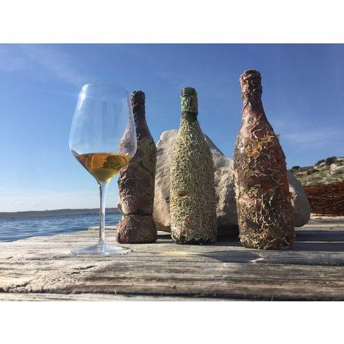 Coral wine Deux Mers