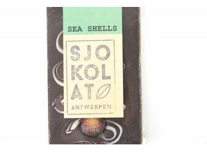 SJOKOLAT A dark chocolate bar with chocolate sea shells
