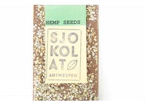 SJOKOLAT Milk chocolate with hemp seeds
