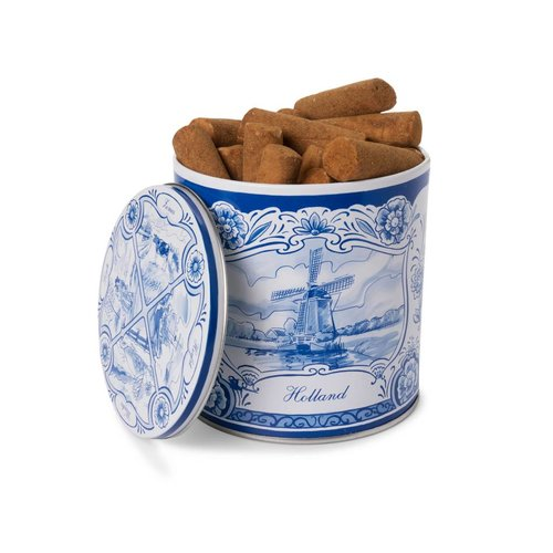 Delft blue tin with cinnamon chunks