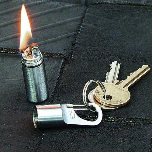 True Utility True Utility FireStash+ (sleutelhanger-benzine-aansteker)