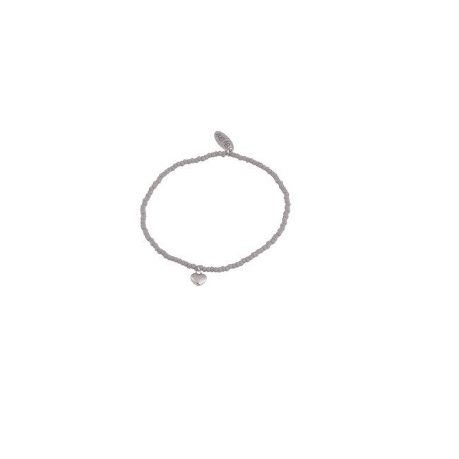 By Shir Armband kraaltjes grijs met hartje zilver