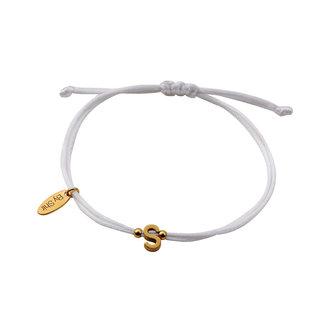 By Shir Armband koord wit met letter edelstaal 14k verguld