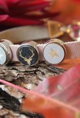 Eigen atelier Lederen armband Rudolf met prachtig cabochon van rendier en sterren