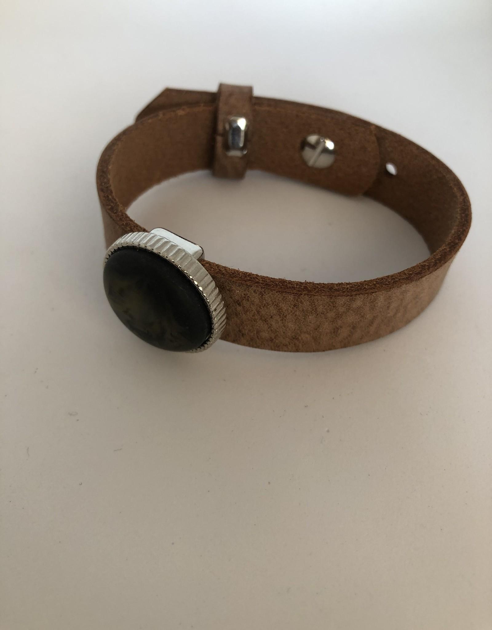 Eigen atelier Bracelet en cuir unique avec beau cabochon