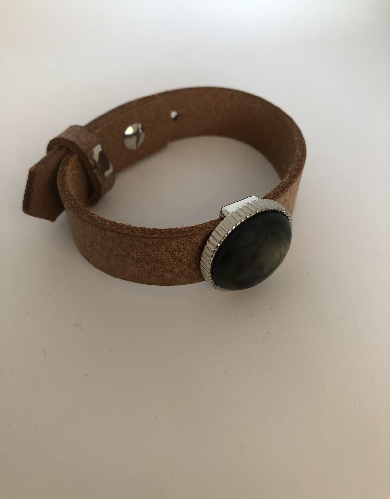 Eigen atelier Unieke lederen armband met mooie cabochon