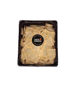 "Huisgemaakte ravioli's - 2 kg tortelli ricotta spinazie  ""vega"""