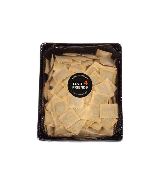 """Huisgemaakte ravioli's - Tortelli ricotta spinazie """"vega"""""""
