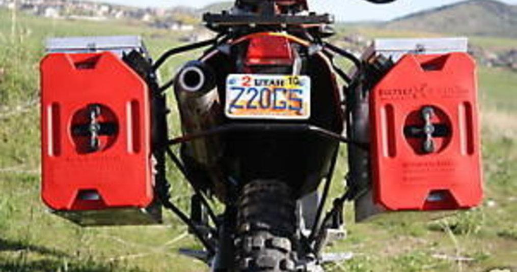 Hoe neem je extra brandstof mee met de motor?