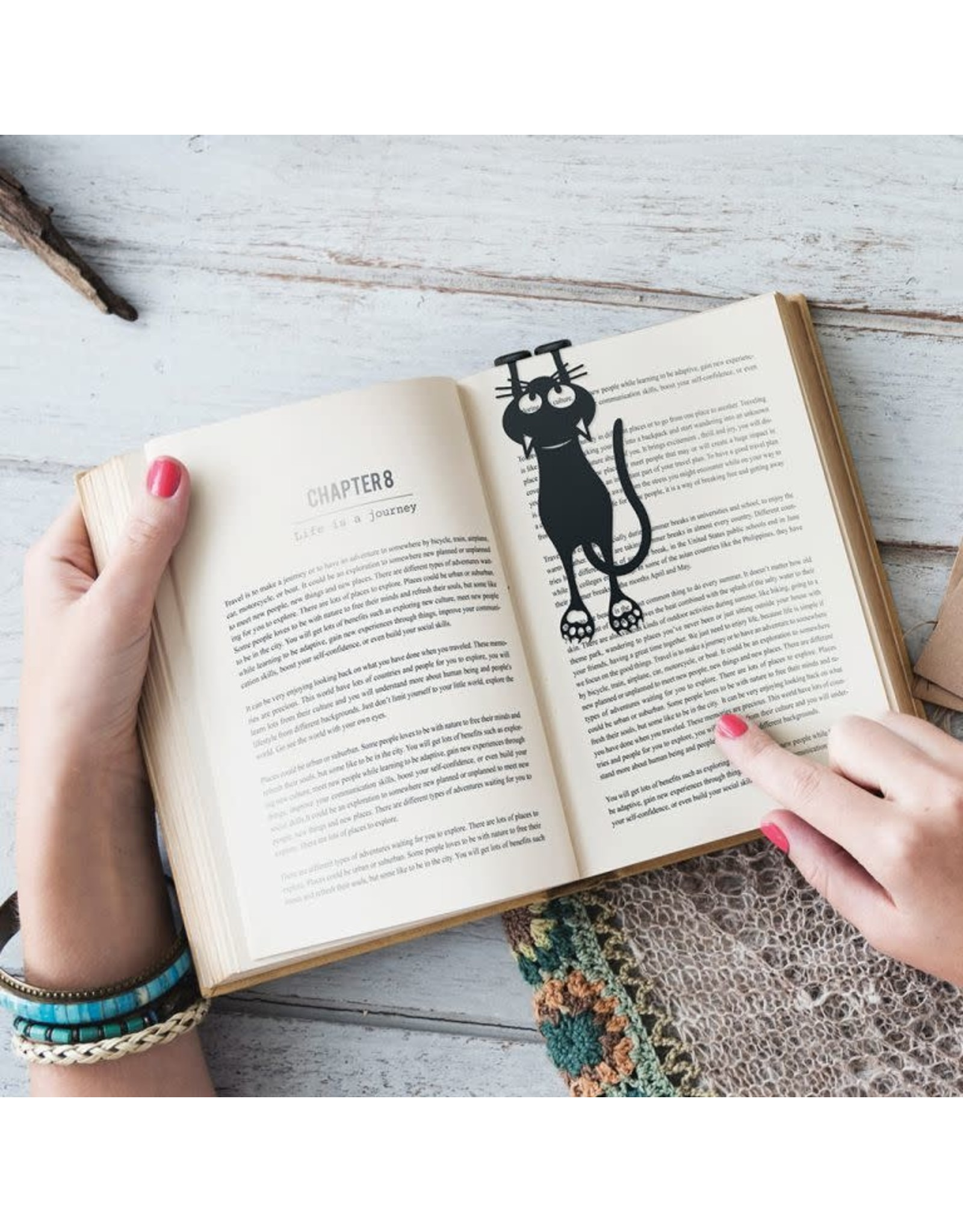 bookmark shaped like a cat (black)
