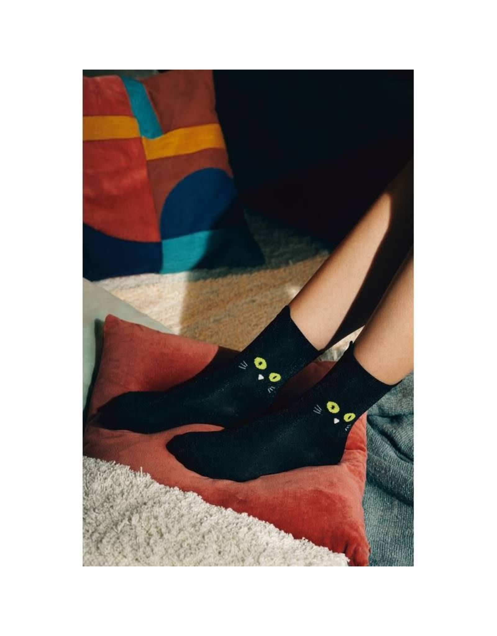 socks with cat design