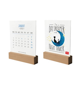 kalender 2022 met houten basis
