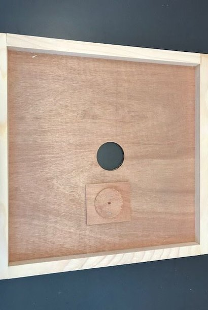 Wooden inner cover with feeding hole DB12