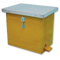 Protection box for EWK mating hive