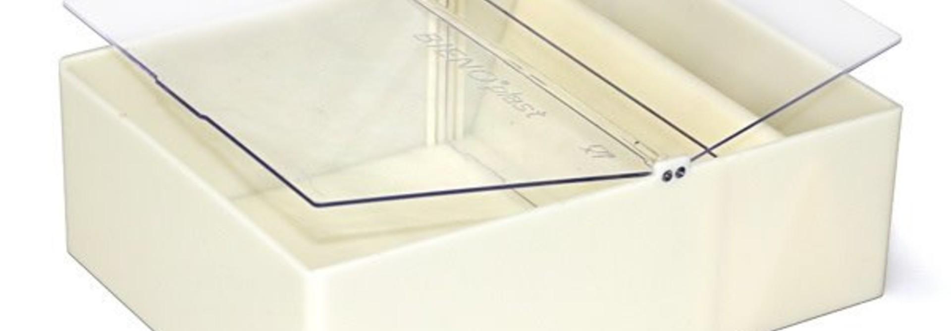 Vierkante voederbak Bieno®Plast - 2L