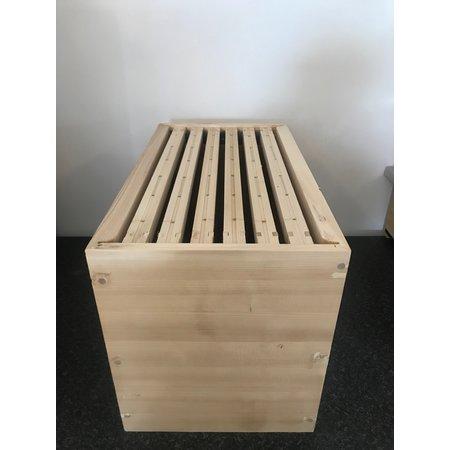 Brood chamber with frames Dadant nuc box