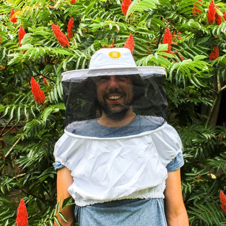 Veil with base