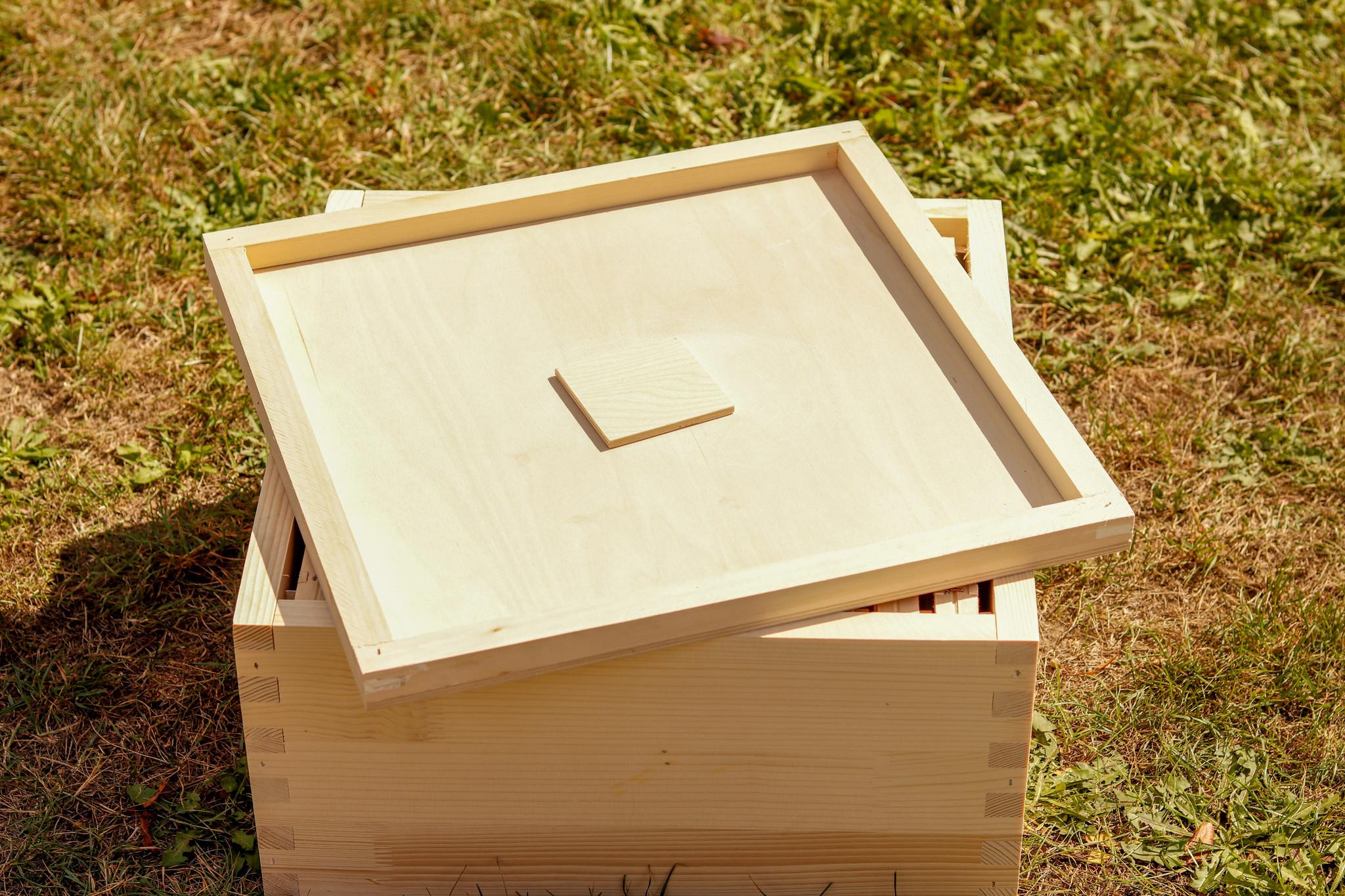 Houten afdekplaat met voedergat Simplex afleggerkast-1