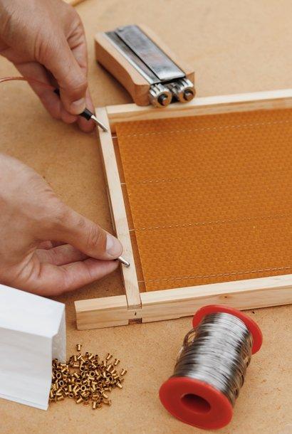 Starter pack melting wax foundation