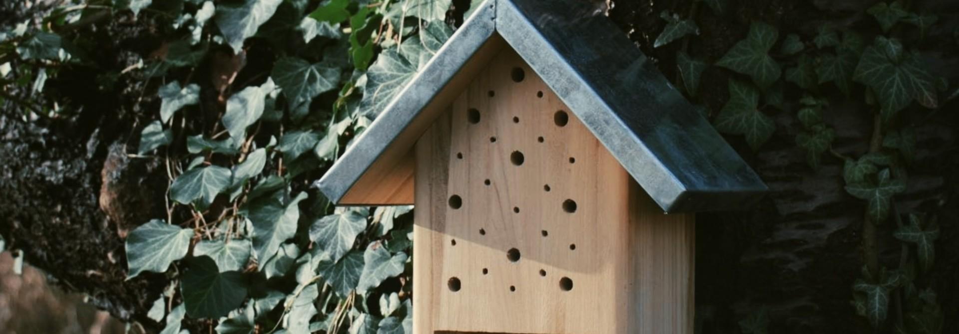 Insectenhotel - Vlinders en bijen