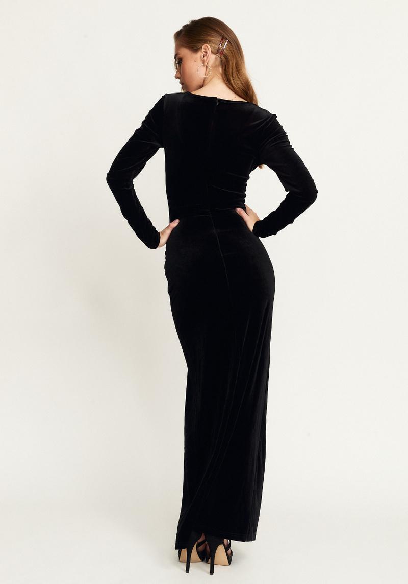 Chic long dress black