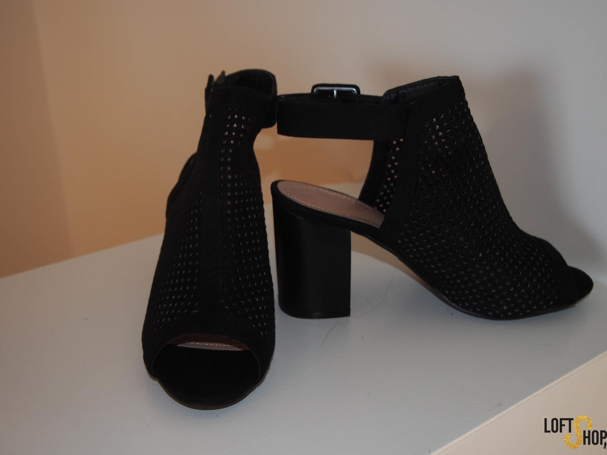 Black sandaal boots