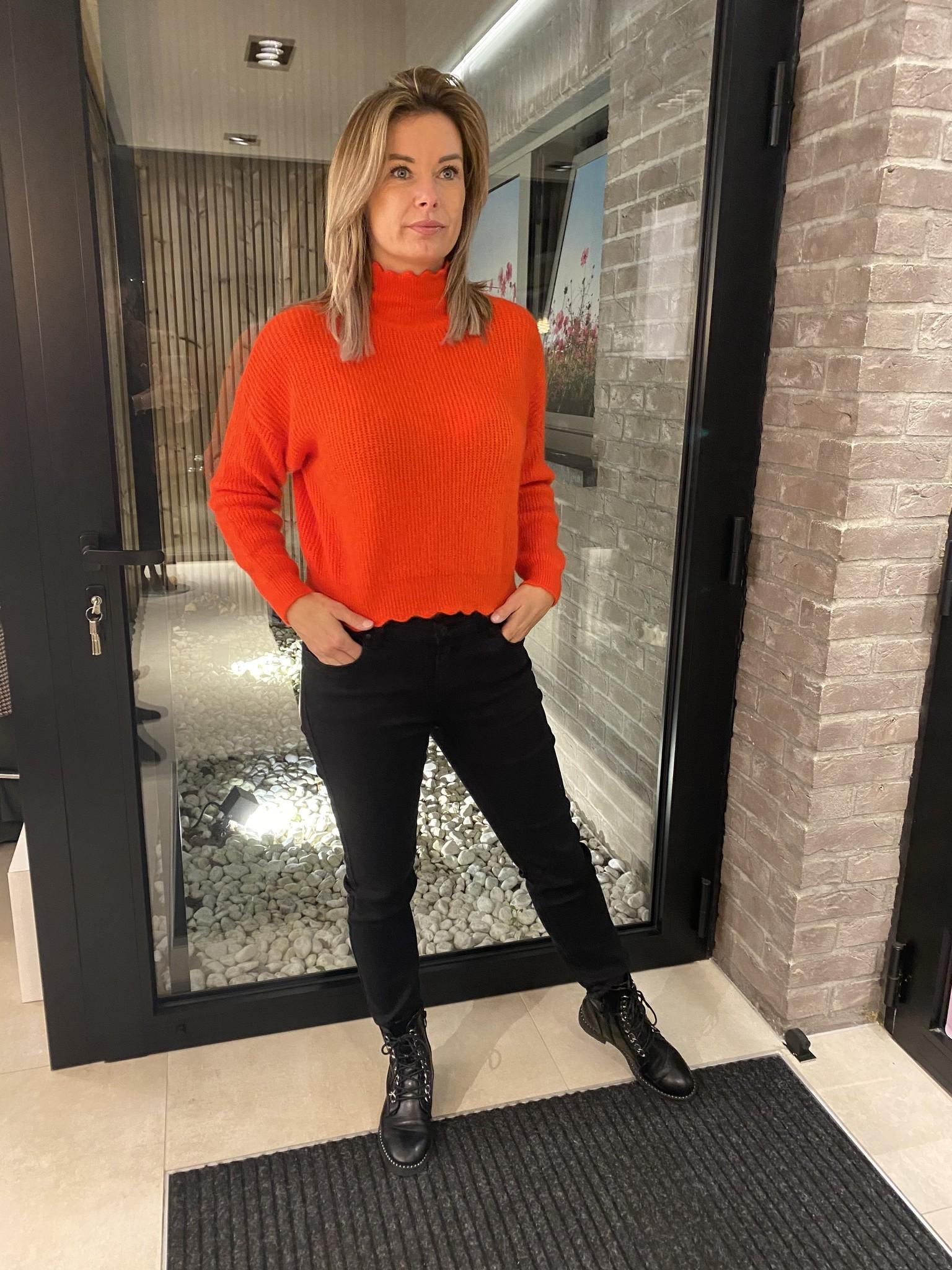 Pull Angele hoge kol Oranje/Rood TU