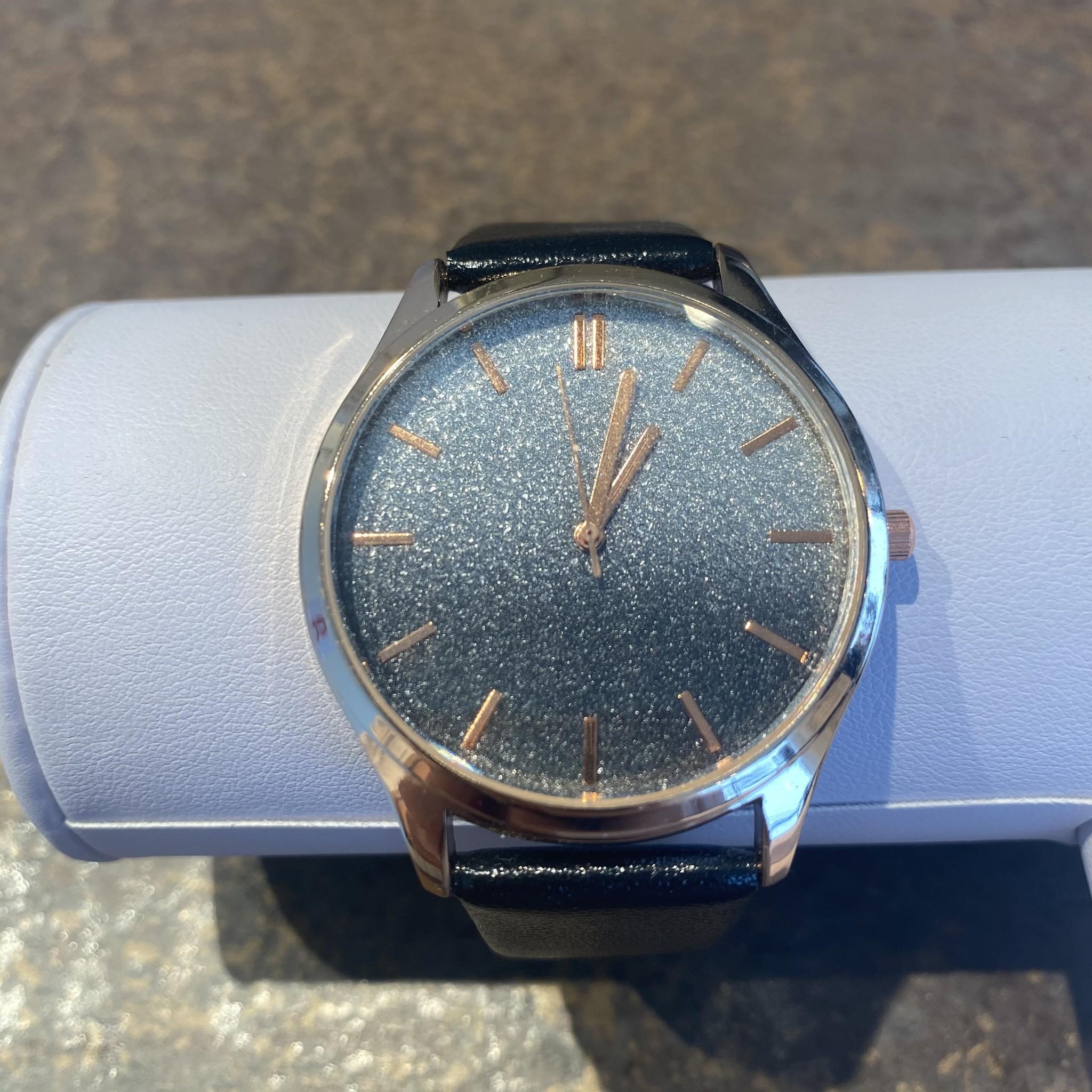 Horloge silver black diamond