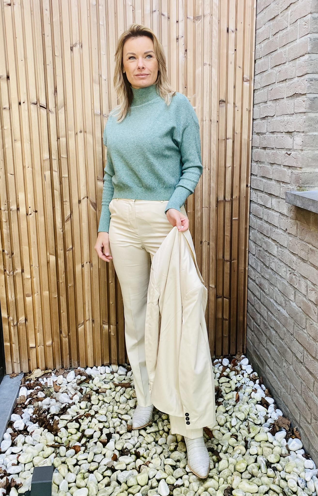 Pull Lily green